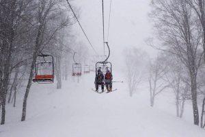 Begeleid poeder skiën in Japan